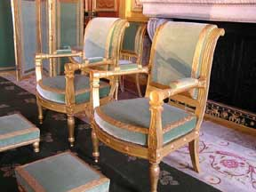 neoclassicla furniture
