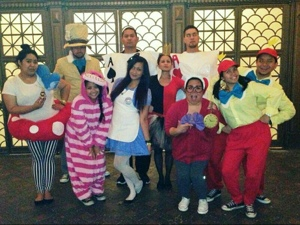 Diy Alice In Wonderland Costumes Thecolorainbow